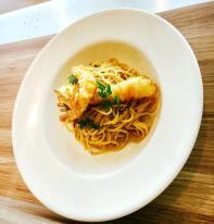 Spaghetti Aglio e Olio with Tempura